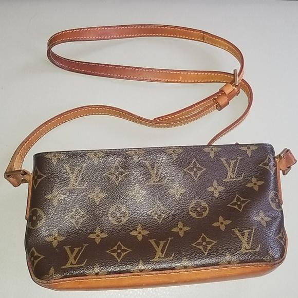 Louis Vuitton Handbags - Authentic Louis Vuitton Trotteur Crossbody